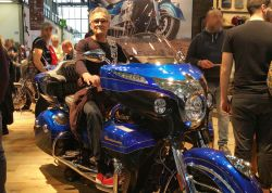 Salon EICMA 2017 - Jo sur la Indian Roadmaster