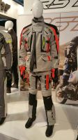 Salon EICMA 2017 - Tenue RST