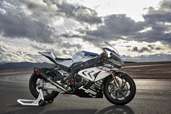 P90254419 highRes bmw hp4 race 04 2017 600x400