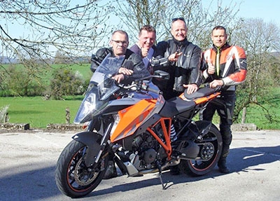 "KTM 1290 Super Duke GT - KTM option ""grands espaces""… What else ?"
